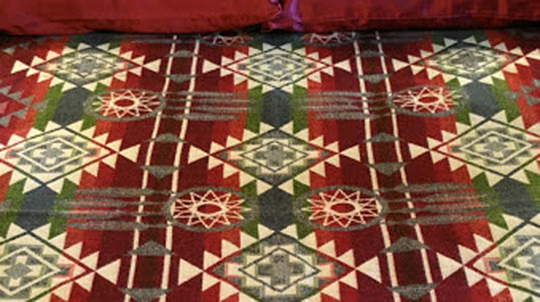 Dream Catcher Alpaca Blanket Red-Green